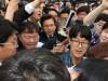황교안 자유한국당 대표가  5·18민주묘지에서 5ㆍ18민주화운동 시민에게 항의